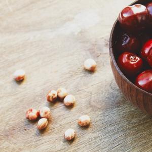 cherries-and-cherry-pits