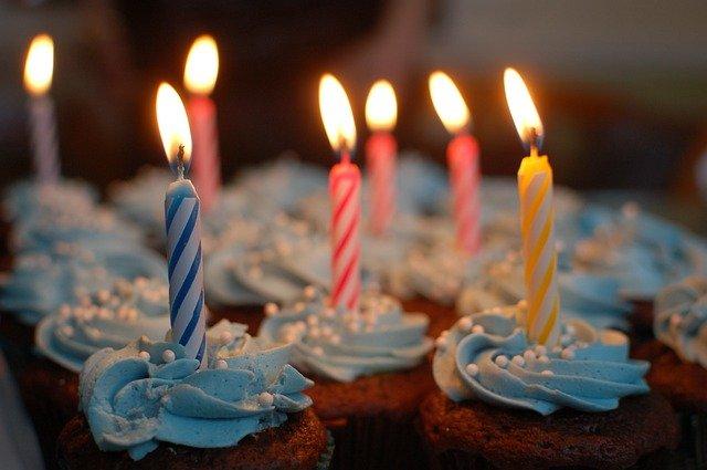 cupcakes-380178_640